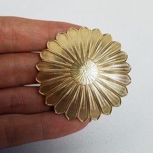 1930s art deco gold tone sun flower scarf clip